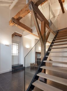 Trappen on pinterest stairs staircases and wood stairs - Renovatie hout ...