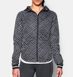 UA Storm technology repels water but stays soft and breathable for superior comfort Lightweight woven fabric delivers superior comfort and durab...