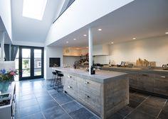 Interior Inspiration, Kitchen Decor, Kitchen Ideas, Kitchen Island, Sweet Home, Cabin, House Styles, Furniture, Xl
