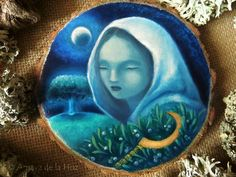 Mistletoe. Druidess painting,  oil painting on wood slice by SecretaShop. © Amaya de la Hoz