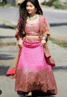 Indian Engagement Outfit, Engagement Outfits, Pink Lehenga, Bridal Lehenga, Glamorous Outfits, Stylish Dpz, Pakistani Girl, Indian Models, Indian Bridal
