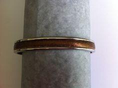 bracelet jonc argenté avec cuir plat marron vieillit métallisé : Bracelet par nessymatriochka