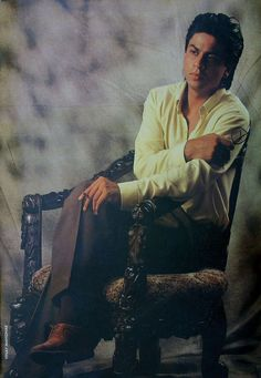 shahrukhkhan-only.de Forum - Gallery Shah Rukh Khan - Shah Rukh only Photoshooting - Seite 24 Shah Rukh Khan Quotes, India Actor, Shahrukh Khan And Kajol, Om Shanti Om, Sr K, King Of Hearts, Bollywood Stars, Favorite Person, Johnny Depp