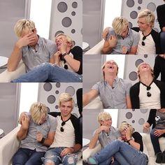 Awwww the brotherley love kills me....... It's so dang cute