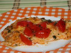 I filetti di platessa con pomodorini sono un secondo piatto di pesce semplice,veloce e leggero. I filetti di platessa,pesce dal sapore delicato,sono insaporiti dai pomodorini