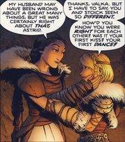 Valka and astrid hofferson how to train your dragon comics 2016 Httyd, Viking Warrior Woman, Toothless And Stitch, Anime Elf, Dragon Comic, Dragon Memes, Hiccup And Astrid, Dreamworks Dragons, Dragon Rider