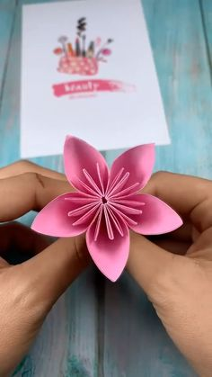 Cool Paper Crafts, Paper Flowers Craft, Paper Crafts Origami, Flower Crafts, Diy Paper, Origami Flowers, Diy Crafts Hacks, Diy Crafts For Gifts, Diy Arts And Crafts