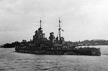 The battleship HMS PRINCE OF WALES leaves Singapore in search of a Japanese convoy. With no fighter protection the battleship and her companion HMS REPULSE were vulnerable to Japanese air attack. Hms Prince Of Wales, King George V, Us Battleships, Capital Ship, Big Guns, Armada, Navy Ships, Pearl Harbor, Submarines