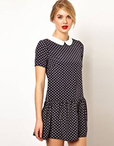 love the collar and drop waist on this dress