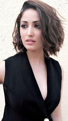 Beautiful Girl Indian, Beautiful Indian Actress, Beautiful Actresses, Gorgeous Women, Bollywood Girls, Bollywood Actress, Bollywood Fashion, Black Actresses, Indian Actresses
