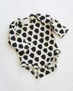 organic black-and-white acorn onesie See more children's clothes at DeuxParDeux.com // Deux Par Deux // kids clothes // kid style // fashion for kids