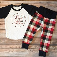 Your new pair of unisex baby leggings will be expertly handcrafted to order using soft organic jersey, a soft spandex jersey waistband, and finished with overlocked seams. The Raglan tee is an America