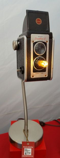 Vintage Kodak Duaflex II Camera Lamp c.1950. Requires candelabra bulb, included. Great gift for the camera collector or photographer. Please note this is a vintage item and leather, bellows, plastic,