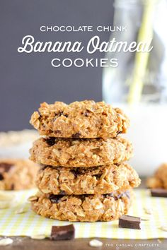 Healthy Chocolate Chunk Banana Oatmeal Cookies - a delicious and healthy cake cookie recipe that doesn't taste healthy. Made with all natural ingredients. Banana Cookie Recipe, Eggless Cookie Recipes, Banana Oatmeal Cookies, Healthy Cookie Recipes, Healthy Treats, Dessert Recipes, Cooking Recipes, Healthy Cake, Coconut Oatmeal