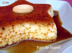 Star flan yes Desert Recipes, Mexican Food Recipes, Sweet Recipes, Cake Recipes, No Bake Desserts, Delicious Desserts, Mousse, Spanish Desserts, Cheesecake
