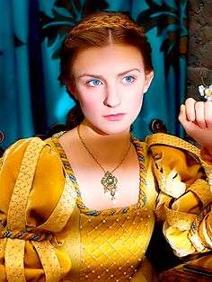 """Faye Marsay as Anne Neville in """"The White Queen"""" (2013)"""
