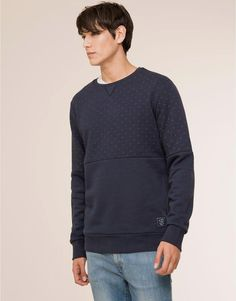 Pull&Bear - homme -  #menfitness #mensfitness #mensports #sweatshirts #hoodies #fitmen