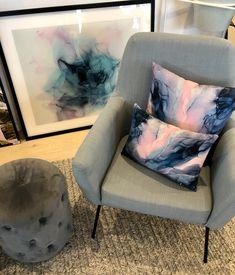 #artistemmathomas #unitedinteriors Tub Chair, Accent Chairs, Interior, Artist, Furniture, Home Decor, Upholstered Chairs, Decoration Home, Indoor