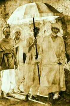 """""""I feel sick and disgusted when you quarrel with others"""" Om sai ram. Sai Baba Pictures, God Pictures, Rare Pictures, Rare Photos, Shivaji Maharaj Hd Wallpaper, Saints Of India, Bhakti Song, Sai Baba Wallpapers, Sai Baba Quotes"""