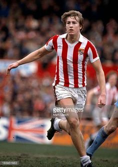 English Football League Division One Stoke City v Manchester City Lee Chapman Football Photos, Football Shirts, Stoke City Fc, English Football League, Sheffield United, Manchester City, Division, Kicks, Soccer