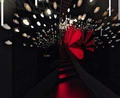 Escada das Luzes - Maurício Arruda, Fabio Mota e Lais Delbianco. Descer e subir escadas nunca foi tão interessante. Os profissionais fixaram espelhos nas laterais que refletem o forro coberto de quase 300 lâmpadas. Elas acendem em diferentes combinações, conforme os visitantes circulam.