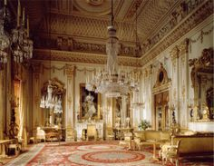 Google Image Result for http://firstsliveone.files.wordpress.com/2009/10/buckingham-palace-interior.jpg%3Fw%3D450