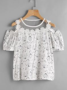 SheIn offers Calico Print Mesh Insert Crochet Trim Top & more to fit your fashionable needs. Summer Outfits, Girl Outfits, Casual Outfits, Cute Outfits, Fashion Outfits, Girl Fashion, Womens Fashion, Mode Style, Matching Outfits