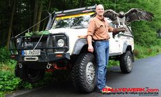 """Getting ready for a hunting trip with my friend Erik, the hunting eagle """"Odin"""" and my Land Rover Defender 130CC-R(hino)"""