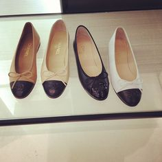Chanel ballet flats, I'm obsessed Chanel Ballerinas, Chanel Ballerina Flats, Chanel Ballet Flats, Chanel Pumps, Chanel Dress, Cute Flats, Cute Shoes, Me Too Shoes, Parisienne Chic