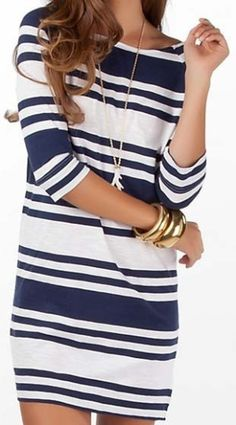 Striped Dress in navy and white cute and casual! Moda Outfits, Cute Outfits, Looks Style, Style Me, Look Fashion, Womens Fashion, Fashion Trends, Dress Fashion, Modern Fashion
