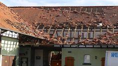 Dächer abgedeckt, Autos beschädigt: Tornado wütet im Kreis Göttingen