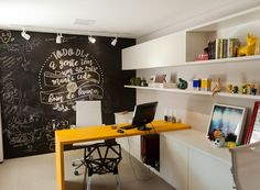 Home Office Decor Office Table, Office Workspace, Home Office Decor, Office Ideas, Mini Office, Small Office, Office Interior Design, Office Interiors, Living Room Chairs