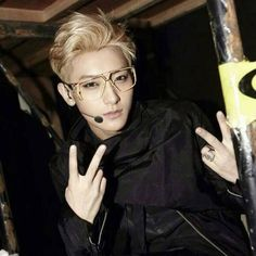 Exo's Tao just changed his Weibo Display Picture