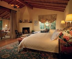 Tour Candice Bergen's Spanish-Style Residence in California Spanish Style Interiors, Spanish Style Decor, Spanish Style Homes, Spanish House, Spanish Colonial, Spanish Revival, Candice Bergen, Architectural Digest, Spanish Bedroom
