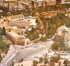 """Pla del Real. En la fotografía los desaparecidos """"Palacio de Ripalda"""" y """"Feria de Muestras"""" a mediados de los años 60"""