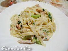 PhotoLifeSite: Light Chicken-Zucchini Alfredo