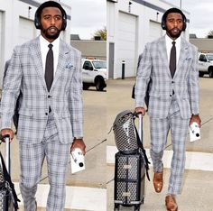 QB looking dapper as usual. DOUBLE TAP if you're a fan of the look. Black Mens Fashion Suits, Men Fashion, Mens Semi Formal Outfit, Suits You, Mens Suits, Tyrod Taylor, Gentlemen Wear, Looking Dapper, Weekend Style
