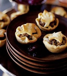 A Tourtieres, a Candian Pork Pie, is a meat pie originating in Quebec, Canadian. It is a traditional dish served at Christmas and New Year Eve celebrations. Canadian Cuisine, Canadian Food, Canadian Recipes, Empanadas, Pork Pie Recipe, Cinnamon Monkey Bread, Apple Cinnamon, Pie Recipes, Cooking Recipes
