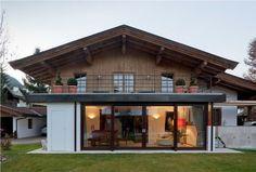 Johann in Tirol: Esszimmer Haus G ° E ° E - Moderne Hauser - Wohnhaus Architektur Modern Rustic Homes, Rustic Home Design, Small Modern Home, Switzerland House, Rustic Staircase, Tiny House Village, Rustic Houses Exterior, Modern Office Design, Log Homes