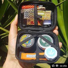 @oz.eta  Todo en la palma de tu mano. .  @piecemakerla Blaze your own trail. # #piecemakergear.com #piecemaker #blazeyourowntrail #byot #cañamo #expoweed #puentealto #chile #santiago #outdoorretailer #orshow #vivachile #piecemakergearsouthamerica  #marihuana #marijuana #bong #420 #stoner #envola #chilegram #cogollo #pipa #piecemakerla #stonersofinstagram #cannabischile #scl #montevideo  #chileweed  @en_vola @quema_smokeshop @astro_smokeshop  #PRENDECONHONEYWICKS