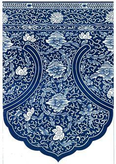 Ornement décoratif #bleu provenant des #collections du Victoria and Albert Museum, souvent abrégé « V&A », fondé en 1852 à Londres, dans le quartier de South Kensington. Il abrite l'une des #collections d'art #chinois les plus complètes et les plus importantes au monde #numelyo #color #museum #musée #décoration #motif #flore #artgraphique #chromatique #couleur