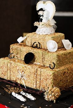 Country theme wedding cake.  The cake looks like blocks of hay.  #country #wedding #cake