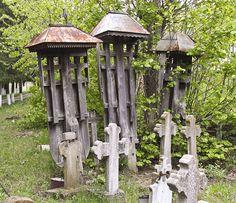 Mamu VL.bis lemn.cimitir.troite - Biserica de lemn din Mamu - Wikipedia Haile Selassie, Wooden Crosses, Cross Pendant, Romania, Funeral, Wind Chimes, Gazebo, Outdoor Structures, Folklore