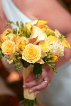 #yellow #bridesmaids #bouquet #bridal #wedding {Phil Kramer Photography}