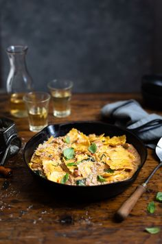 An easy creamy chicken with ravioli & spinach recipe #pasta #chicken #recipe