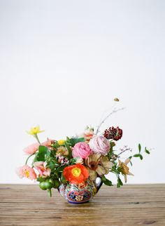 Read More on SMP: http://www.stylemepretty.com/living/2016/06/01/the-only-flower-arrangement-you-need-this-summer/