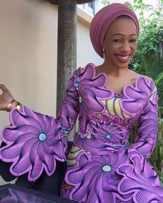 So trendy and flowery work on Ankara outfit for women. African Dresses For Kids, African Maxi Dresses, African Fashion Ankara, Latest African Fashion Dresses, African Print Fashion, Africa Fashion, African Attire, African Wear, African Women