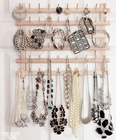 1000 images about jewelry scarf organization on pinterest scarf storage jewelry storage and - Creative ways to store your magazines ...