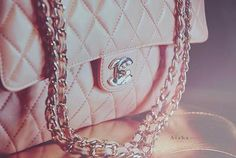 yes please, and thank you. A little pink chanel is creeping its way on my holiday wish list... creep, creep, creep...