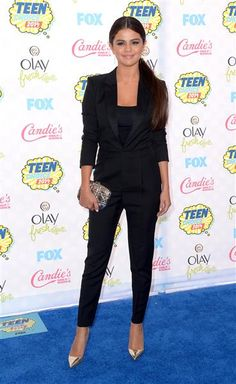 Selena Gomez arrives at the Teen Choice Awards at the Shrine Auditorium in Los Angeles on Aug. 10, 2014.